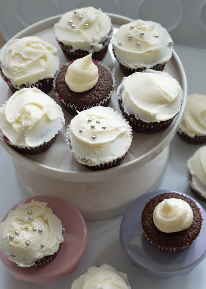 crown royal whisky whiskey cupcakes (aka boozy cupcakes)
