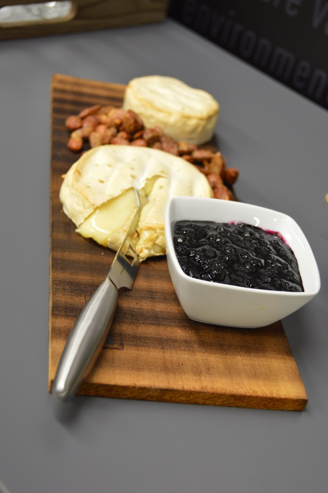 Weber Grill Academy Brie and Smoked Blueberry sauce