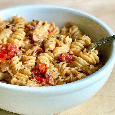 Vegan Cheesy Tomato Pasta Bowl