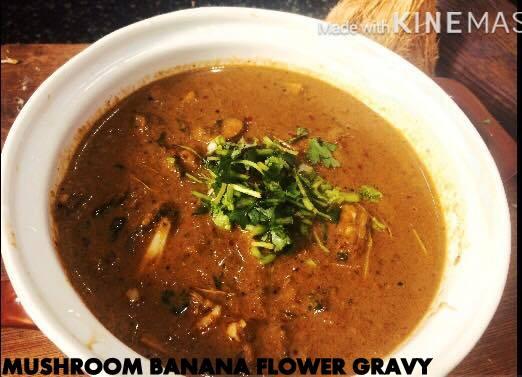 Chettinad Kalaan Vazhaippoo Kuzhambhu|Mushroom Banana Flower Gravy