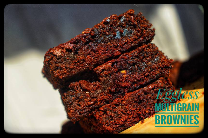 Eggless Multigrain Brownies/Eggless Sathumaavu Brownies