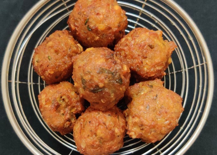 Navratna Dhal Mini Bonda Recipe