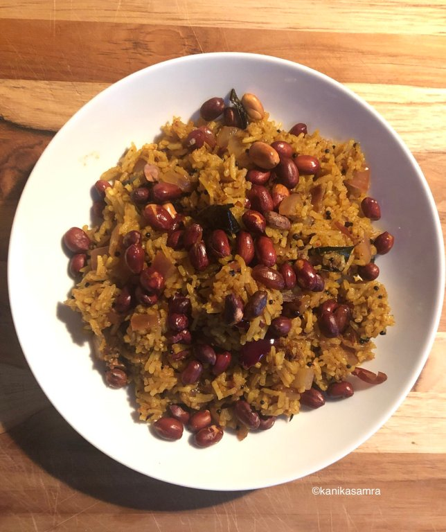 Just cooked bowl of tamarind rice