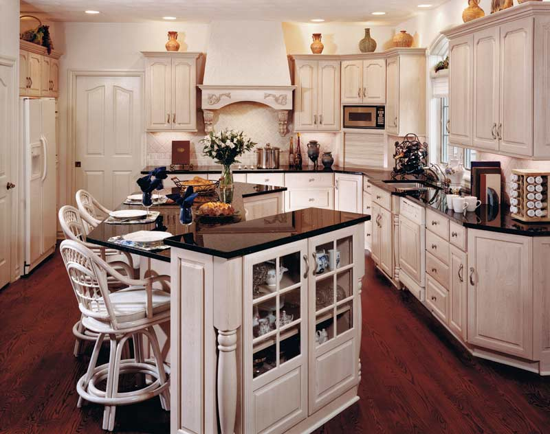 Holiday Kitchens USA Kitchens And Baths Manufacturer