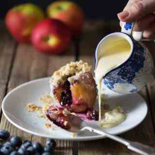 Stuffed Apples with Crumble Topping