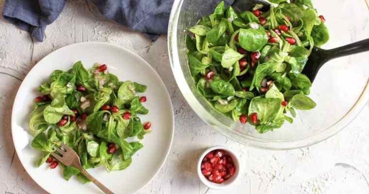 Feldsalat mit Granatapfelvinaigrette