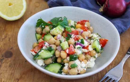 Chickpea Salad – Mediterranen Style