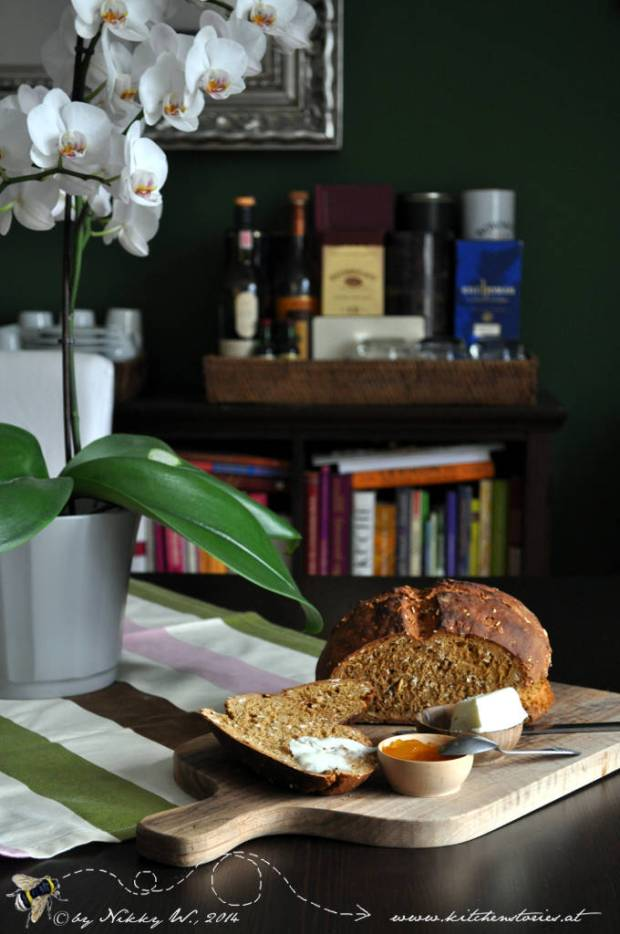 Irish Soda Bread with Porridge Oats - Irisches Soda Bread mit Haferflocken für St. Patrick's Day