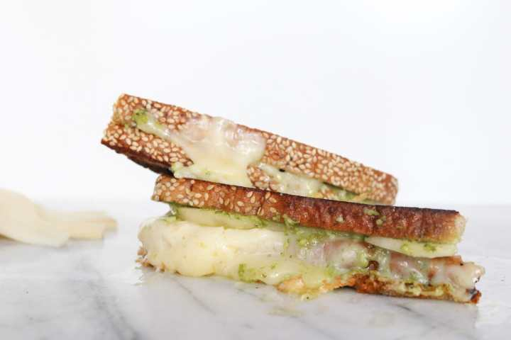 OMG this is how grilled cheese is meant to be made!!! The combination of good crisp rye bread, sweet pears, creamy havarti, and fresh pesto is beyond words.