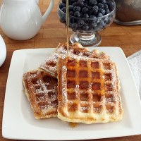Ultimate Crispy and Fluffy Waffles