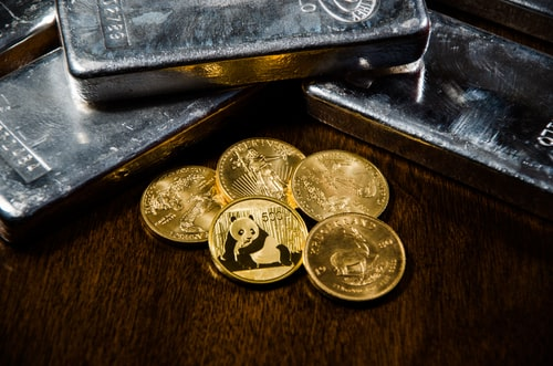 Gold And Silver Ounces Transferred Daily Drop In August: LBMA