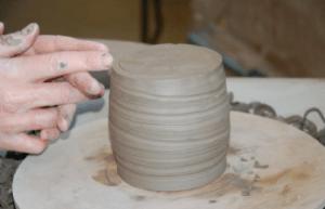 pot-on-wheel-fingers