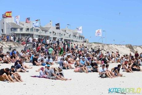 The crowds build at Kite Beach