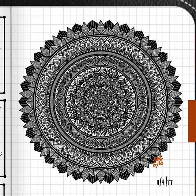 TBT : Closeup of Bullet Journal Mandala from 11/14/17