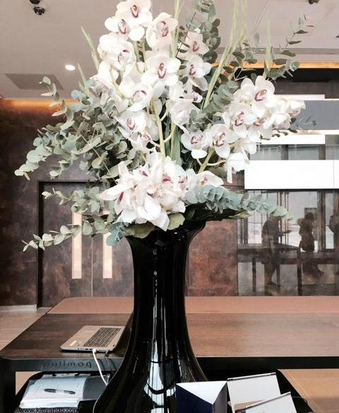 Pullman Hotel Liverpool Lobby Vase of flowers