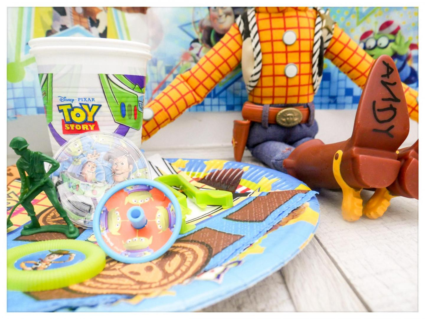 8 Steps to planning and hosting a children's birthday party. We're using a Toy Story themed party to help you with what you need from budget to children's party decorations, to party food and also the party bags and favours| Right now you can also enter to win goodies from Party Bags and Supplies Online for your own party! | www.kittyandb.com