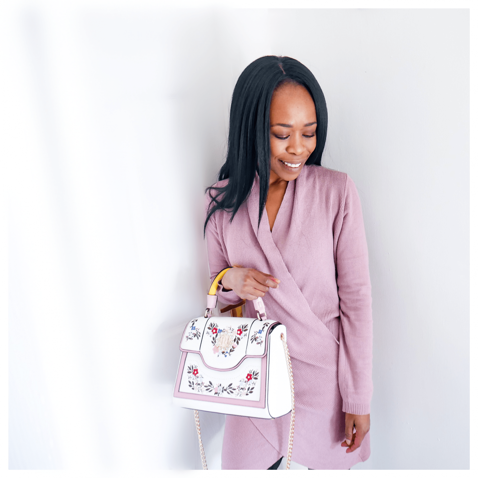 How to Wear Pastels 2019 Updated |Mauve Jumper Dress with Pastel Floral Bag| www.kittyandb.com #Lilac #Pastel #Chic #colourInspiration #OutfitInspiration #ColourPairing #Mauve #Embroidery #bag #PinkAesthetic