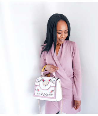 How to Wear Pastels 2019 Updated  Mauve Jumper Dress with Pastel Floral Bag  www.kittyandb.com #Lilac #Pastel #Chic #colourInspiration #OutfitInspiration #ColourPairing #Mauve #Embroidery #bag #PinkAesthetic