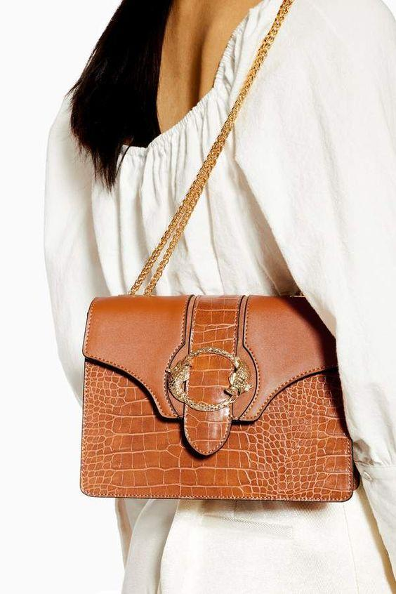 What to Wear with Brown| White Top With Tan Brown Chain Bag