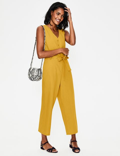 The Boden sale is on! Here are some of my favourite picks from the sale, including some pieces that I own and love! Plus, there's my 20% code that you can use outside the sale.