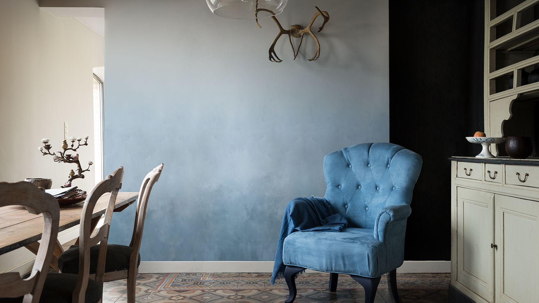 Blue room decor ideas for stylish, calm living spaces