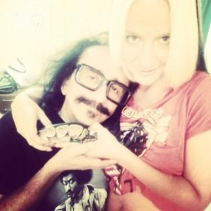 Florcita Motuda & Kitty Sanders