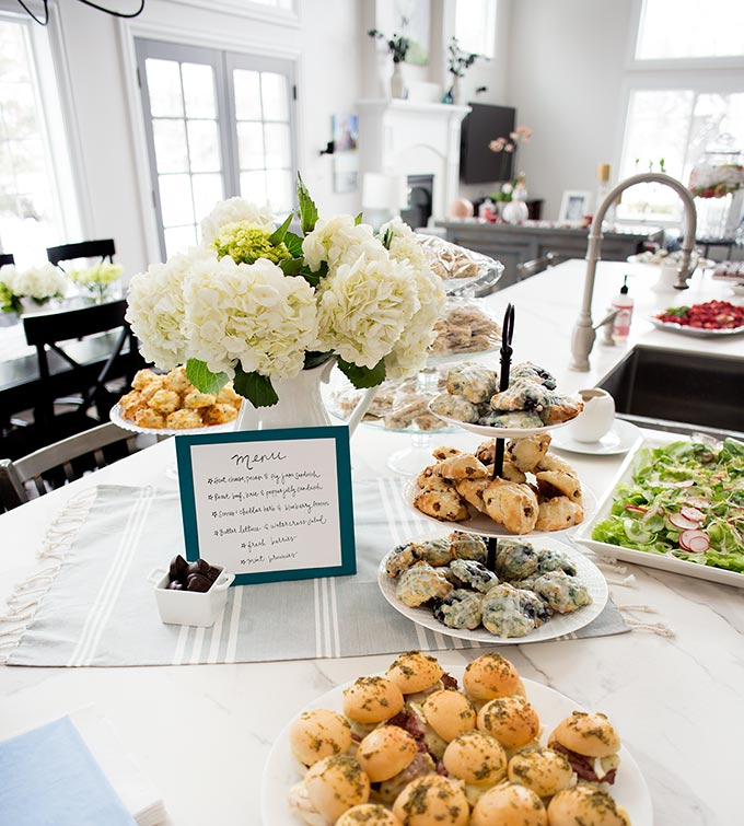 Throw a party! Even if you have no cooking or party skills, here's your step-by-step guide: How to plan the perfect party!