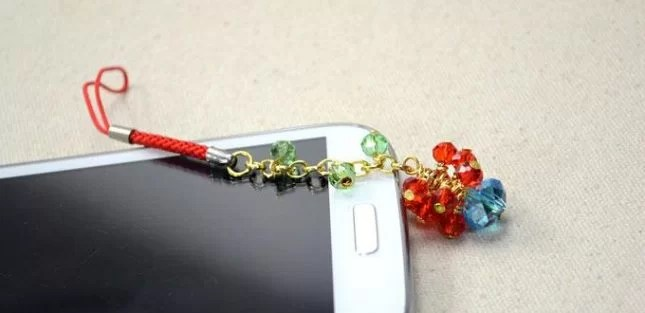 cool crafts for teenagers-mobile phone charms