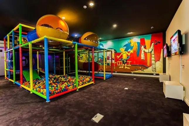 Fairmont-Resort-Kids-Magic-Kingdom