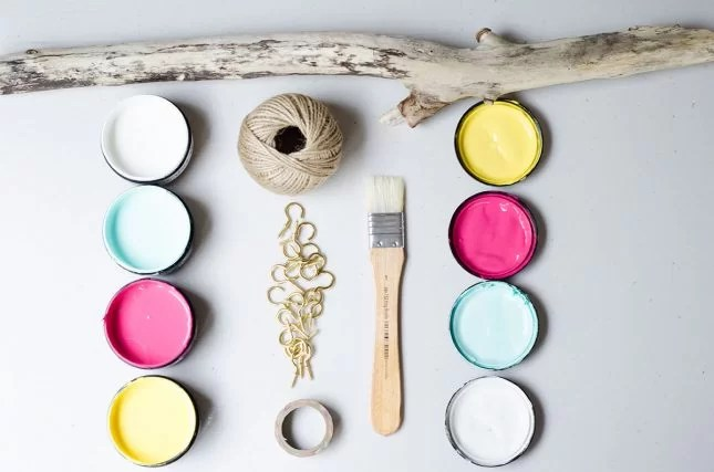 DIY_jewellery_holder_driftwood_materials
