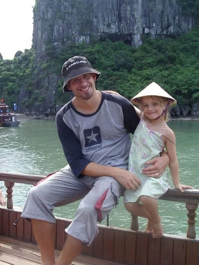 The Pursuit of Family Holiday Happiness-2