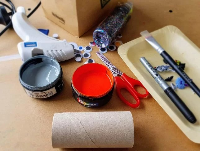 Make a toilet roll haunted tower scene materials