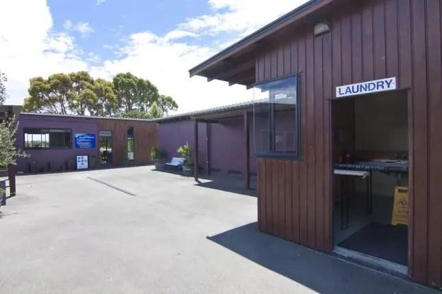 Tahuna Beach Kiwi Holiday Park-Kitchen and laundry block