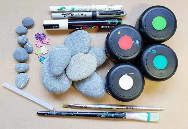 How to make Painted stones - Fruit characters materials