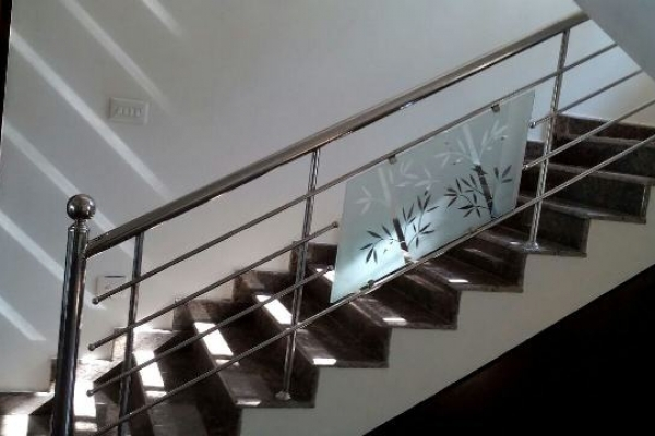 Stainless Steel Staircase Handrail Designs In Kerala India   Staircase Handrail Glass Designs   Crystal   Work   Steel   White Modern Glass   Stairs Side Grill