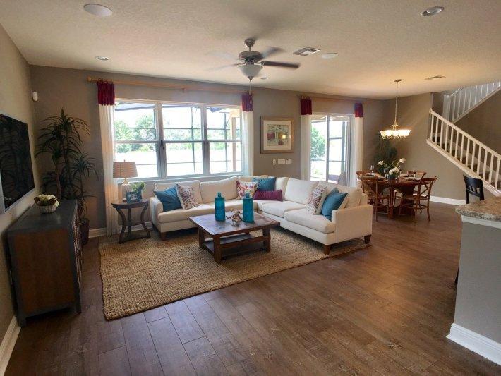 Home Staging Living Room Design