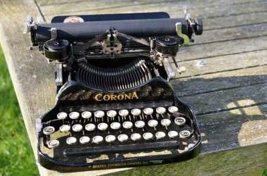 Mașina de scris Corona