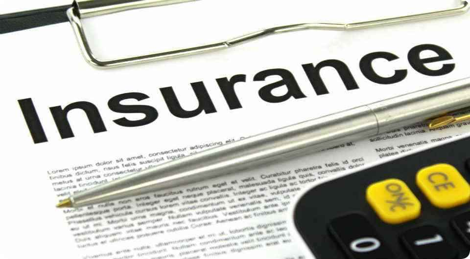 How much does insurance go up after total loss? - KK Guide