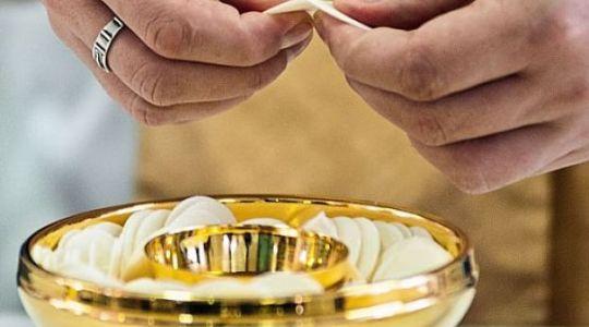 Przypomnienie zasad dotyczących  postu eucharystycznego