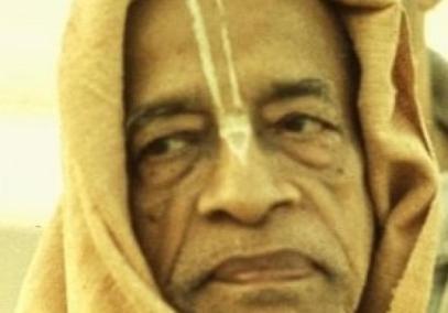 prabhupada-with-chaddar