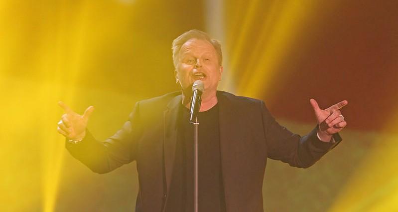 Popmusik auf deutsch und englisch – Herbert Grönemeyer beweist: er kann beides!