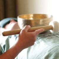 Klankschaalmassage in praktijk KlankenwelZijn
