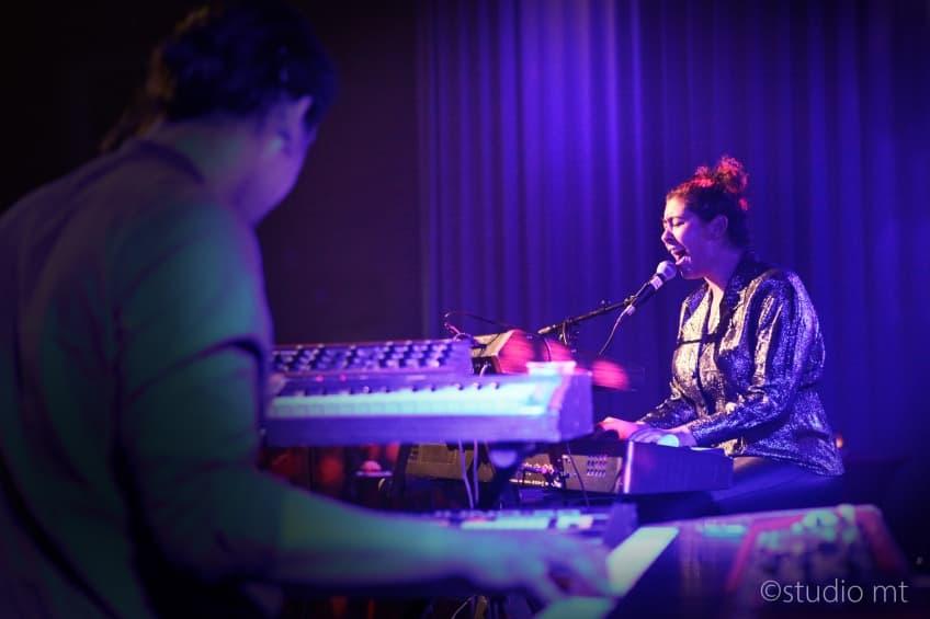 Amber Gomaa verbindt de Muzerije tijdens Popronde - Marjolein Tap Studio MT