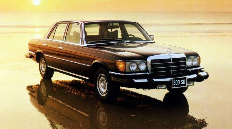 Hayalindeki Klasik Otomobile giden yol.