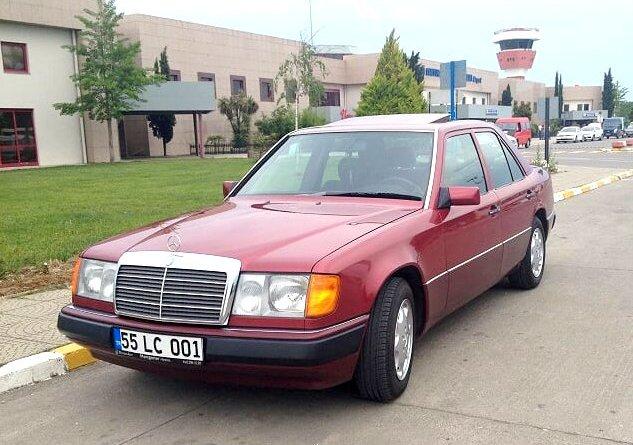 Boyasız 64 Bin'de 1990 W124 Mercedes-Benz 200E