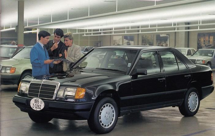 W124 Mercedes-Benz Yaşlı Arabası mı?