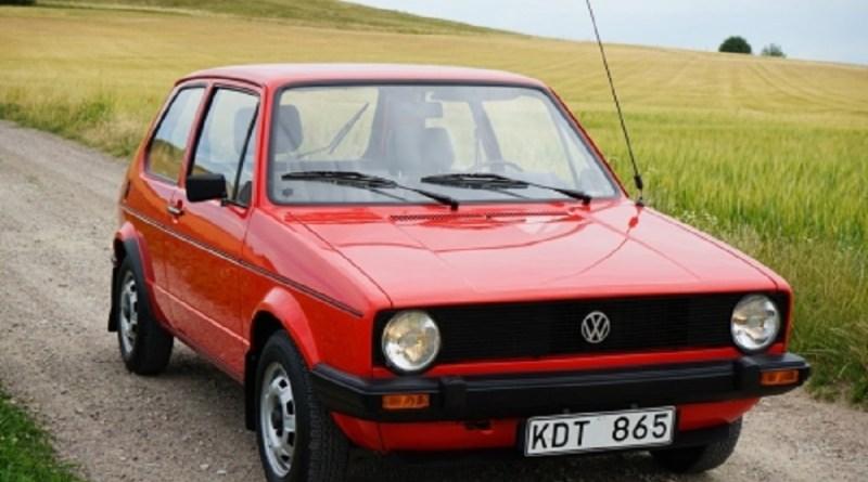 Satılık VW Golf Mk1 Boyasız 15 Bin Km.de!