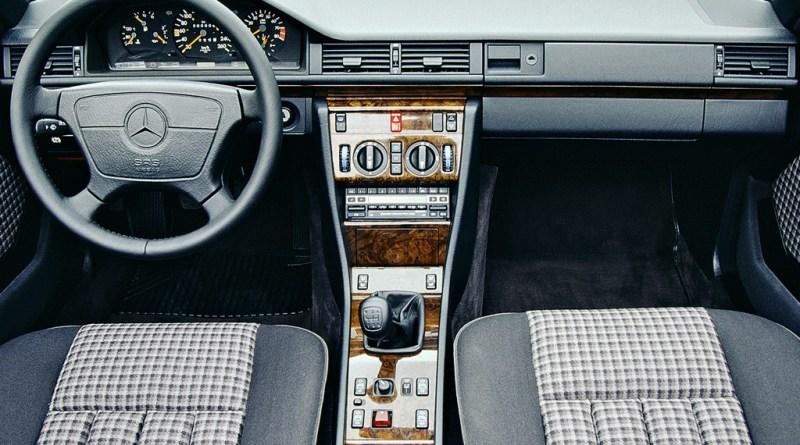 W124 Mercedes-Benz Kumaş Döşemeleri