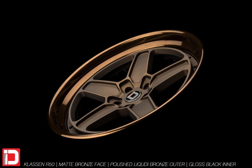 klassenid-wheels-r50-matte-bronze-face-polished-liquid-bronze-lip-gloss-black-hardware-13