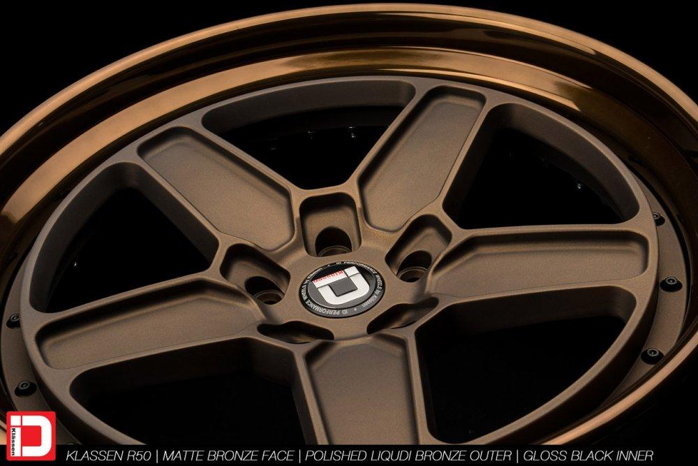 klassenid-wheels-r50-matte-bronze-face-polished-liquid-bronze-lip-gloss-black-hardware-16